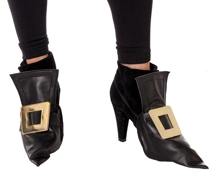 Heksen schoen cover zwart skai leer met gouden gesp