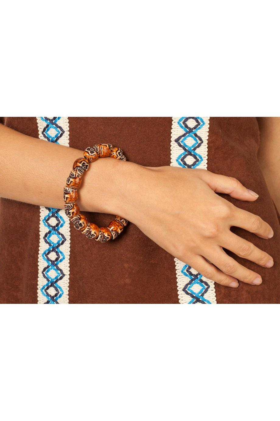 Armband met houten skulls