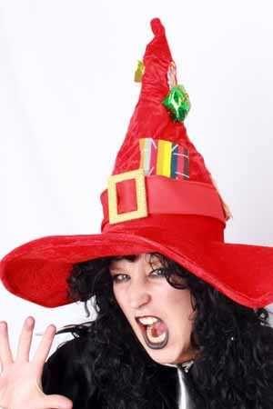 Heksenhoed rood met decoratie