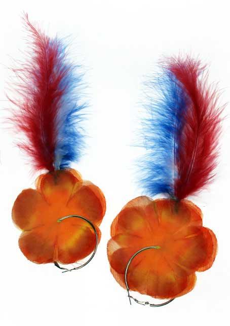 Oorringen oranje bloem met veren rd/wt/bl