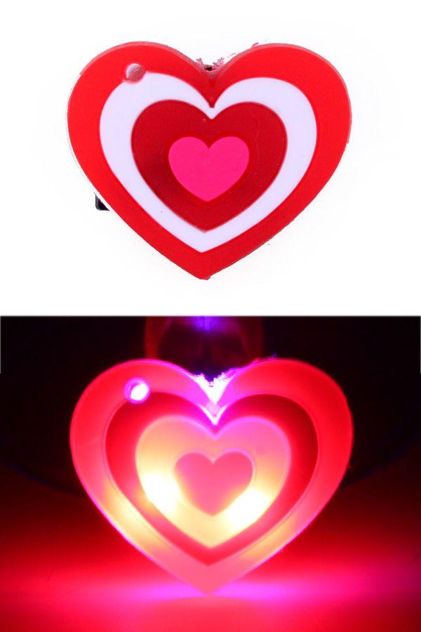 Hartje 3 kleuren pin met licht per stuk